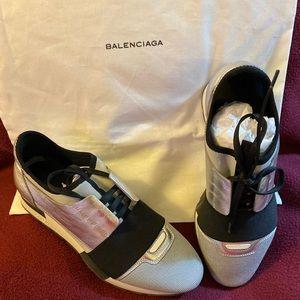 Balenciaga Race Runner Fashion Sneakers